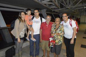 Da esquerda para a direita: Elizabeth, Osvaldinho (Oz), Fausto (eu), Marcondes (pai), Maria José (Mãe) e Fagner.